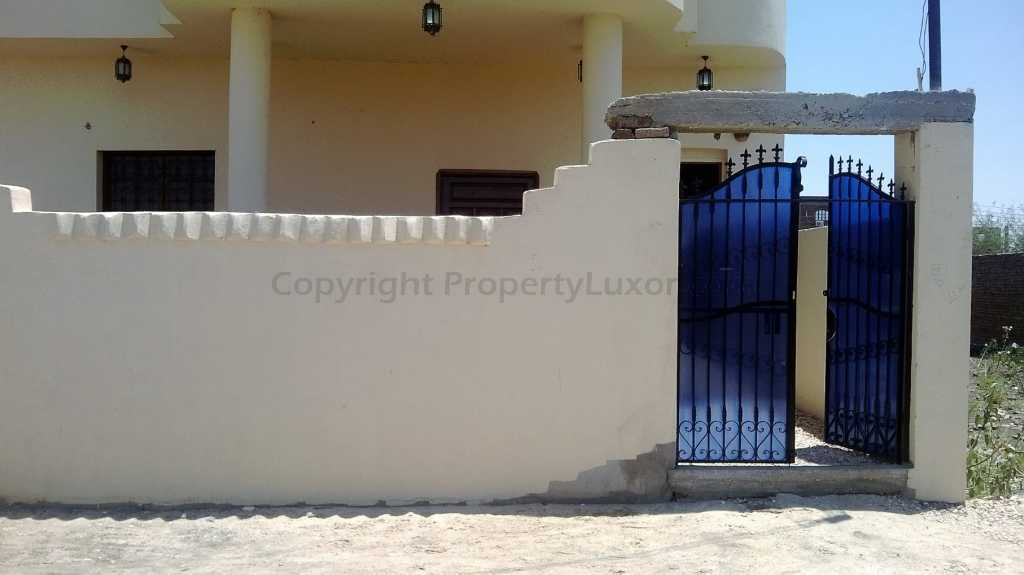 W0004a - Flat and studio for sale in El Ramla - Building