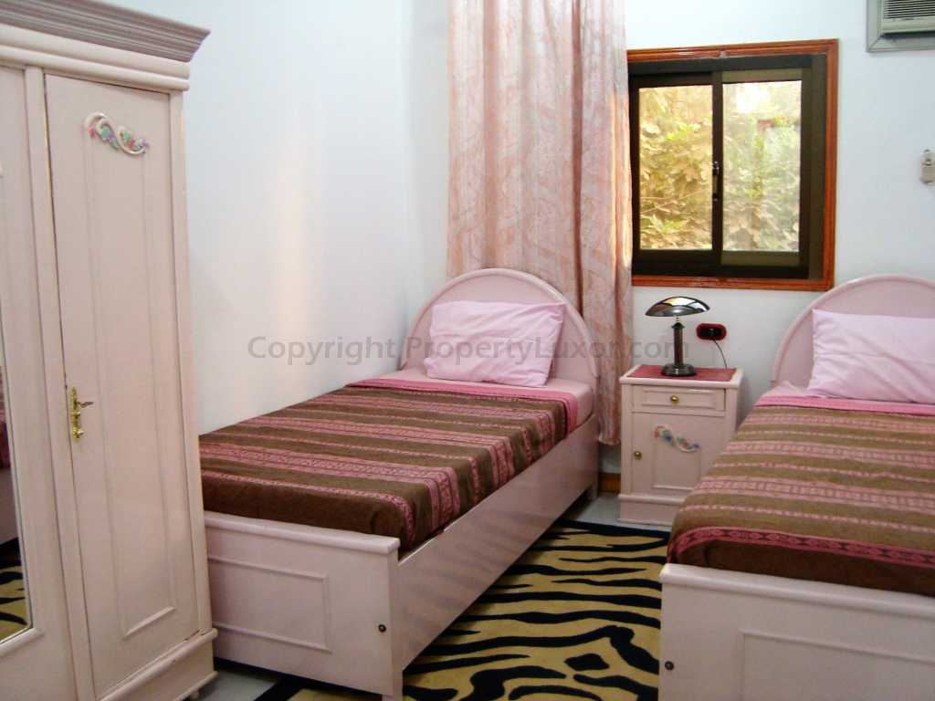 W0005a - Big flat for sale in El Gezira - Bed