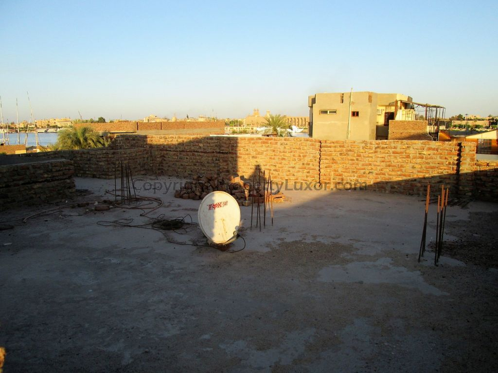 W0129 - Building for buy in Luxor in El Ramla - roof