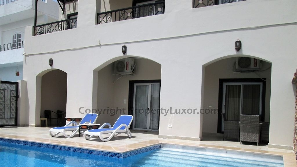 W0131a-Flat with pool groundfloor in El Ramla-building