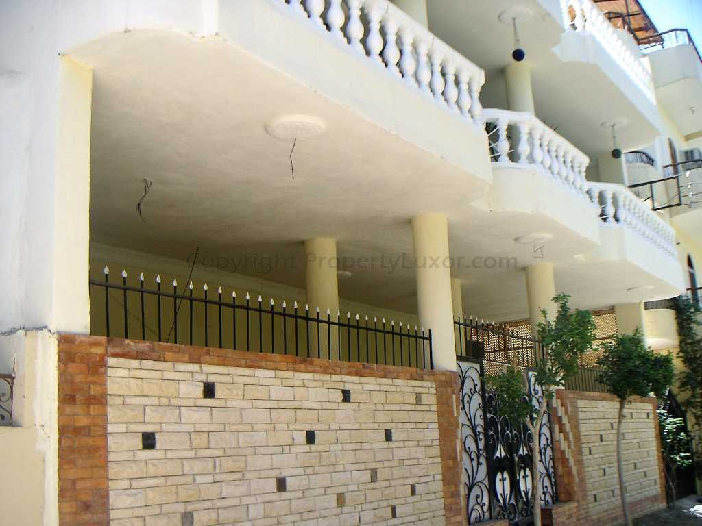 W0011 - Apartment with pool in El Ramla - Building